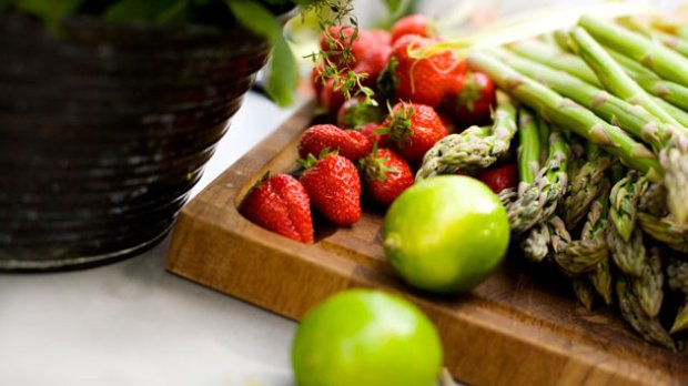gty_fruits_vegetables_ll_130404_wmain